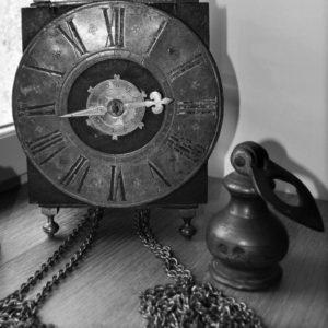 Pendule lanterne du 18e siècle avec poid